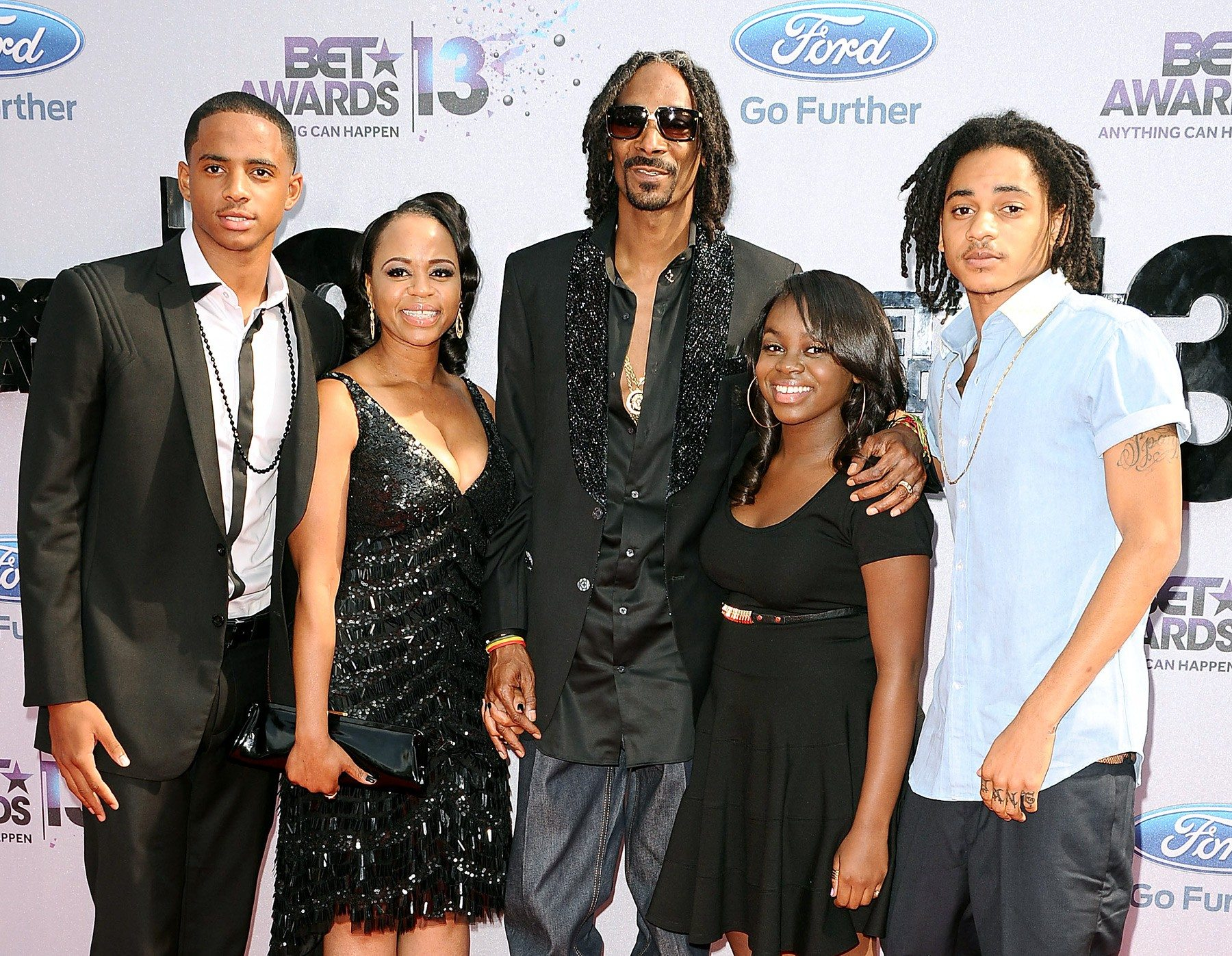 snoop-lion- and-family